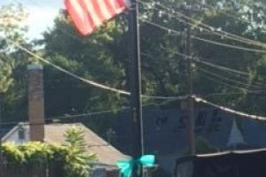 Clinton-ribbon-flag-pole