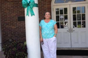 Summerville South Carolina Woman Teal Ribbon